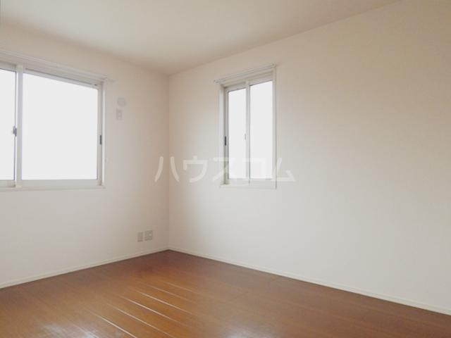 グリシーヌC 201号室のベッドルーム