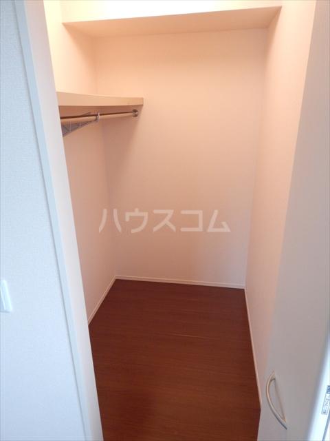 グリシーヌC 201号室の収納