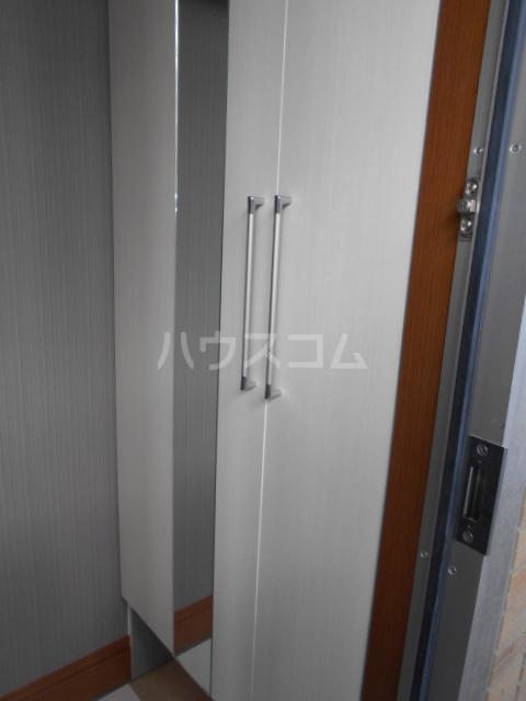 プリーマ 102号室の玄関