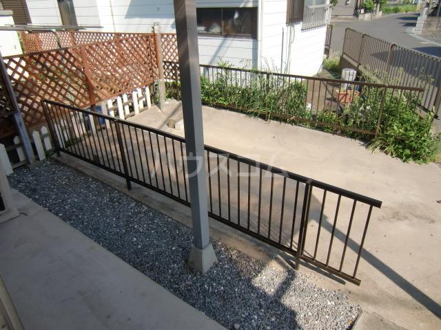 清水アパートA 101号室の駐車場