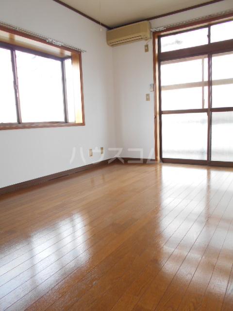 オオツキアパート 305号室のリビング