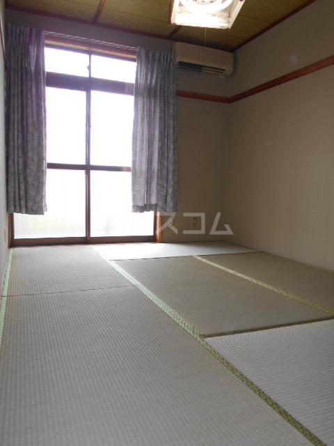 オオツキアパート 305号室の居室
