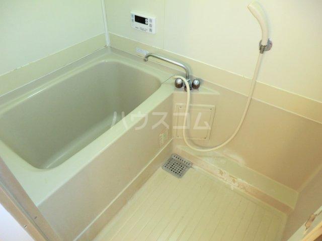 グランデージ武里 410号室の風呂
