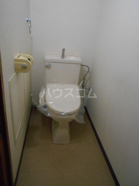 エレガンス春日部 110号室のトイレ