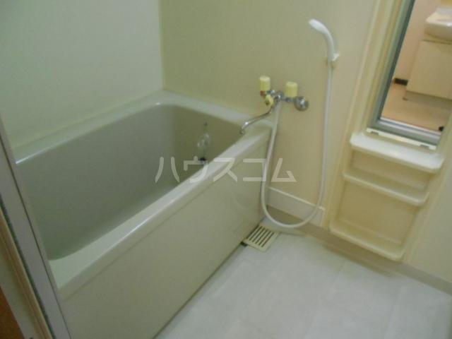 エレガンス春日部 110号室の風呂