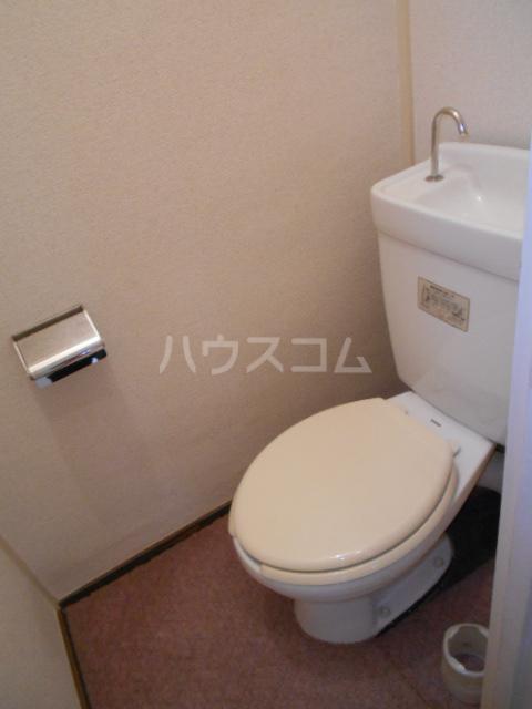 昭和ビル第5 405号室のトイレ