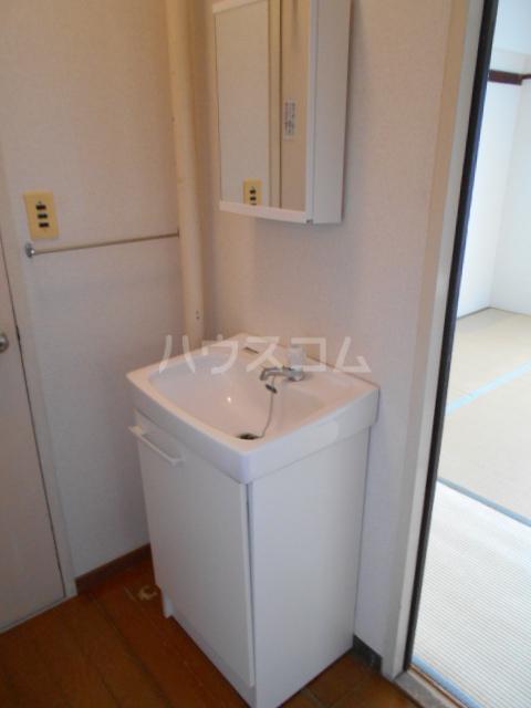 昭和ビル第5 405号室の洗面所