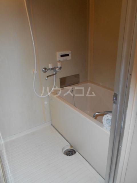 昭和ビル第5 405号室の風呂