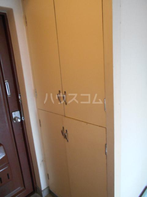 昭和ビル第5 405号室の玄関