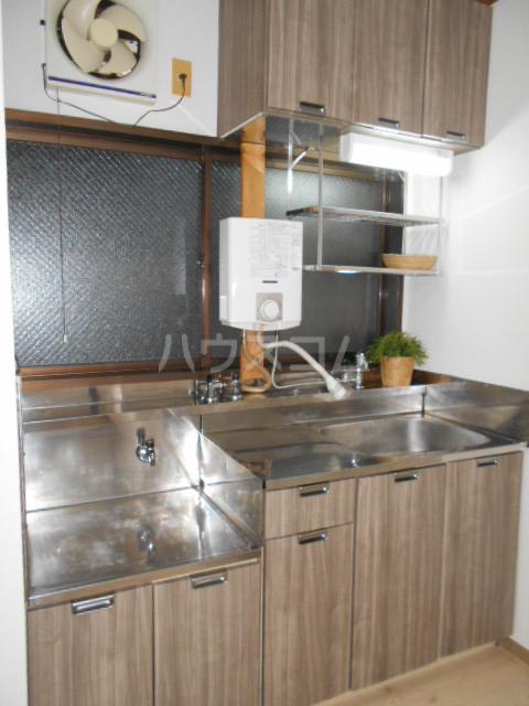 シティハイム宮代 102号室のキッチン
