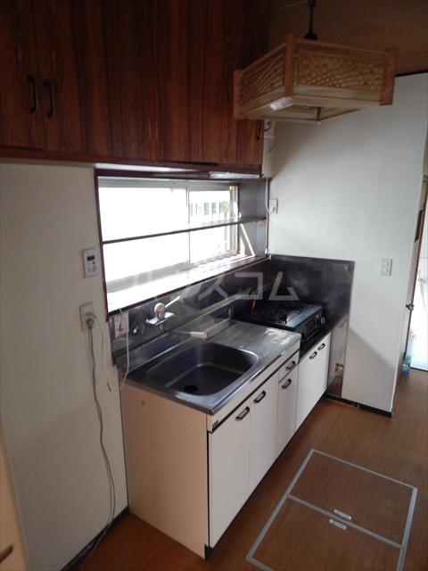 大枝貸家のキッチン
