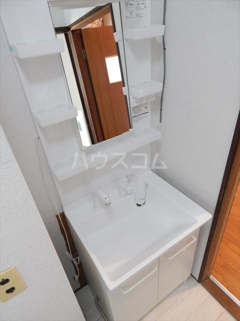 姫宮貸家の洗面所