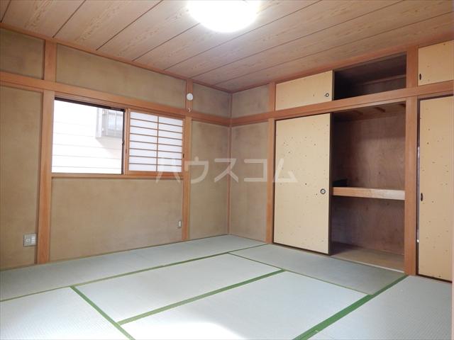 緑町貸家の居室
