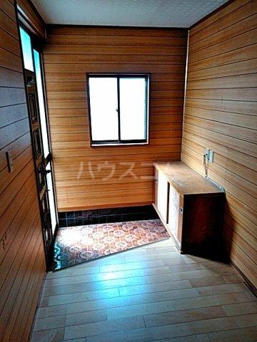 藤塚貸家の玄関