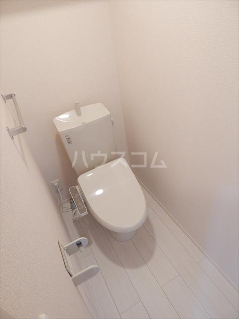 フィオーレ 102号室のトイレ