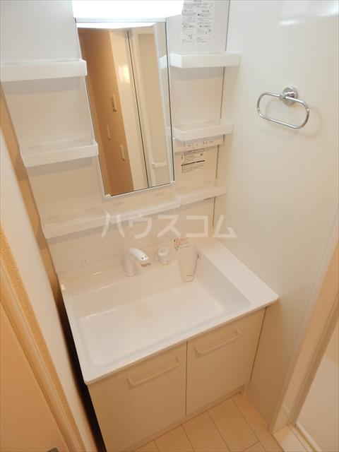 フィオーレ 102号室の洗面所