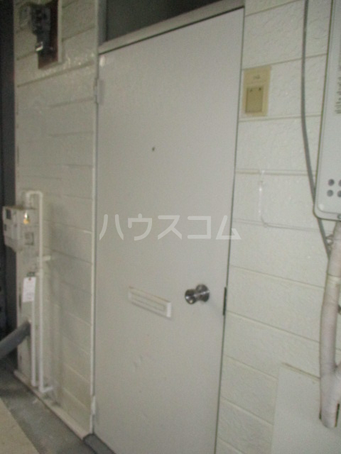 メゾン菅生 102号室の玄関
