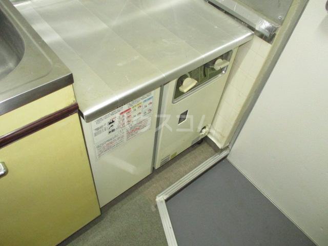 メゾン菅生 102号室のキッチン