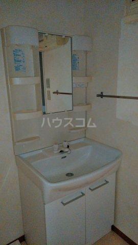 ウエストスクエア 207号室の洗面所