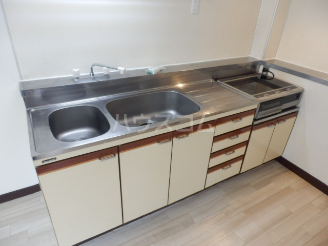 プレディオ鷺沼第Ⅱ 201号室のキッチン