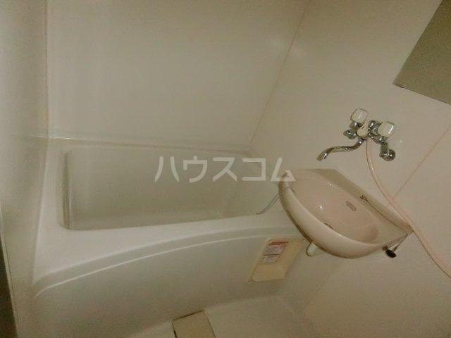 エフレジデンス壱拾八番館 401号室の風呂