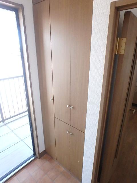 ボナール97 202号室の玄関
