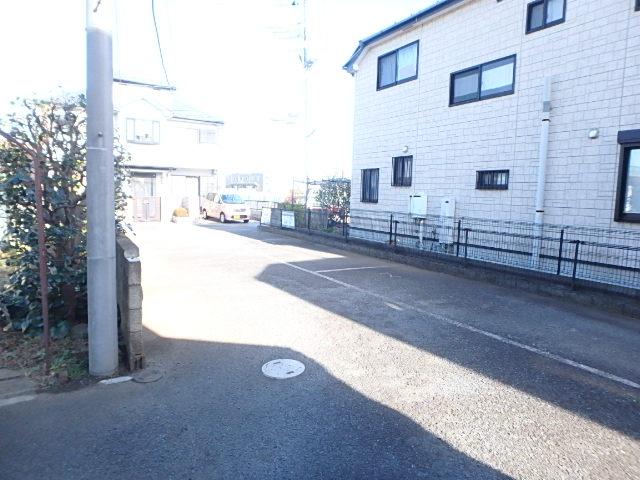 ボナール97 202号室の駐車場