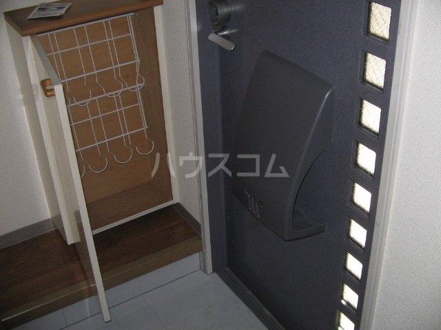 メゾンプレミールA 202号室の玄関