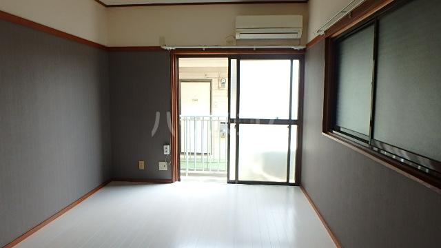 ロフティ太陽 101号室の居室