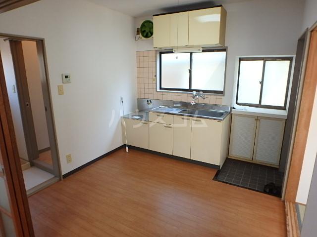 メゾン中山 201号室のキッチン