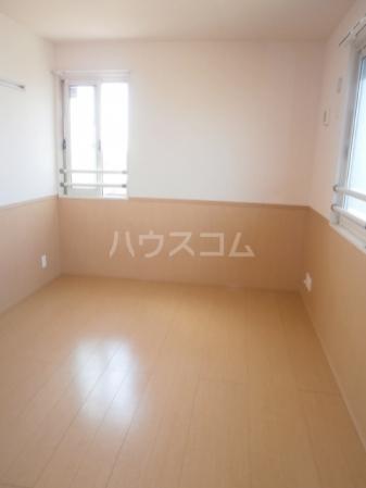 スカイタウン塚田 305号室のリビング