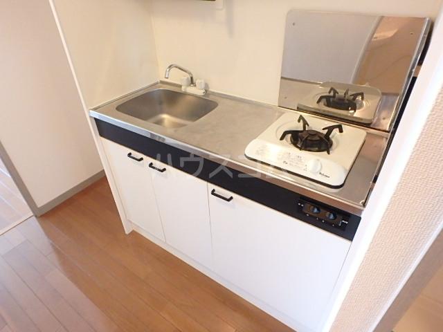 パルコート海神 206号室のキッチン
