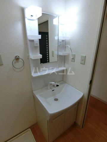 ミルトニアA棟 101号室の洗面所