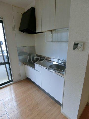 ミルトニアA棟 101号室のキッチン