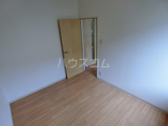 ミルトニアA棟 101号室の居室