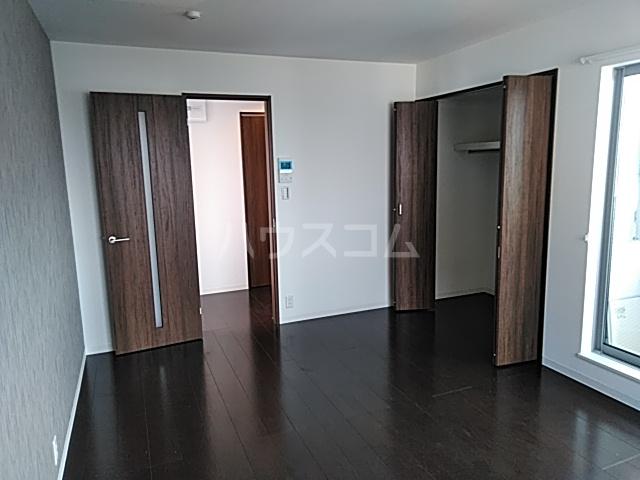 グランインフィニティ海神町 201号室の居室