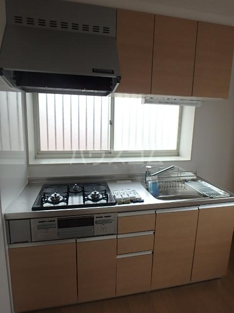 コスモクレール 201号室のキッチン