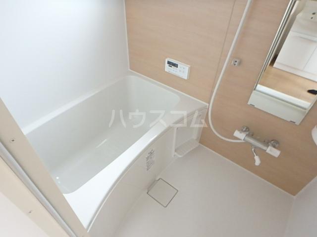 コスモクレール 201号室の風呂