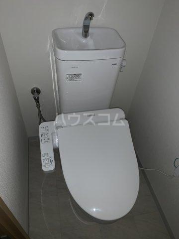 エルプレイス下総中山Ⅲ 102号室のトイレ
