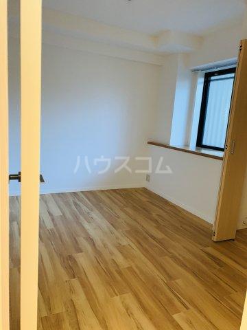 エルプレイス下総中山Ⅲ 102号室の居室
