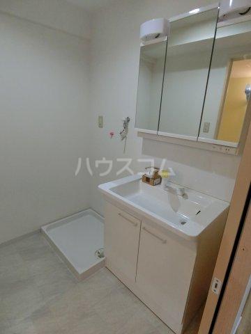 エルプレイス下総中山Ⅲ 103号室の洗面所