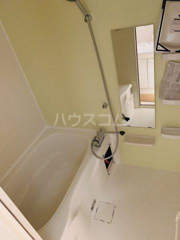 エルプレイス下総中山Ⅲ 108号室の風呂