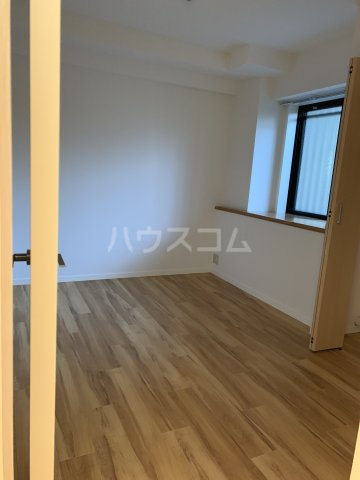 エルプレイス下総中山Ⅲ 108号室の居室