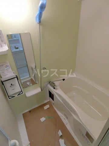 エルプレイス下総中山Ⅲ 109号室の風呂
