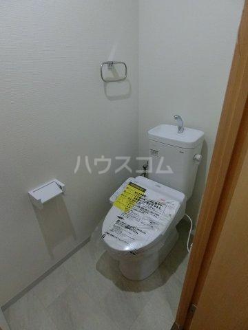 エルプレイス下総中山Ⅲ 201号室のトイレ