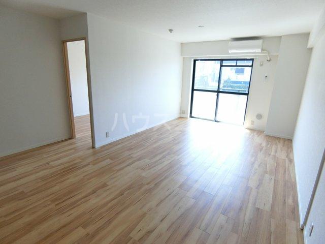エルプレイス下総中山Ⅲ 201号室の居室