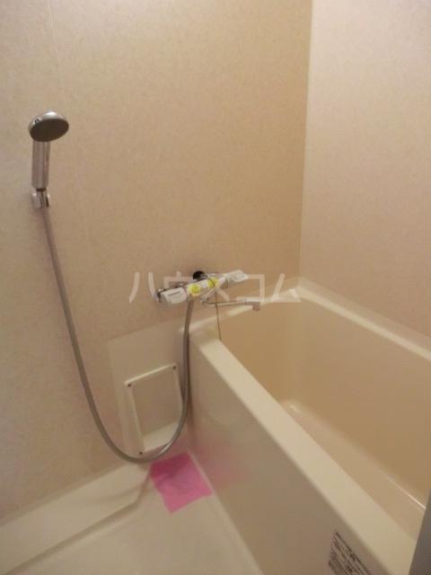 リファインド領家 205号室の風呂