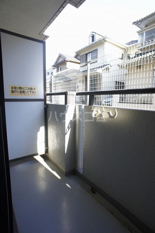 ジョイフル津田沼Ⅲ 101号室のキッチン