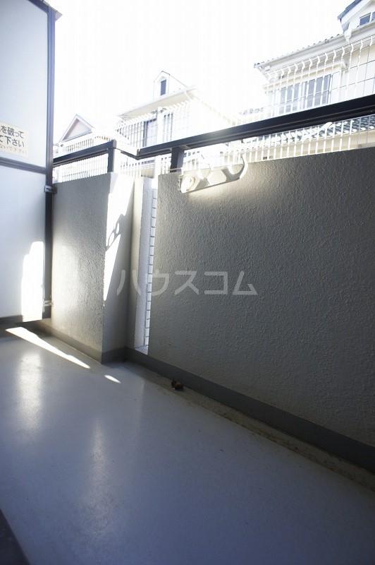 ジョイフル津田沼Ⅲ 101号室のリビング