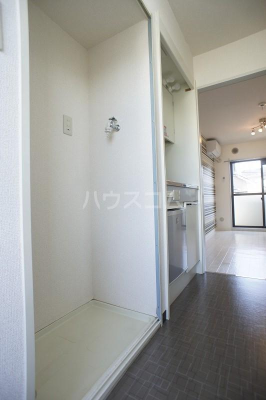 ジョイフル津田沼Ⅲ 308号室の洗面所